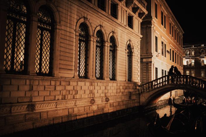 Venise, la ville des Amoureux // Séance engagement en Europe avec Elodie & Julien